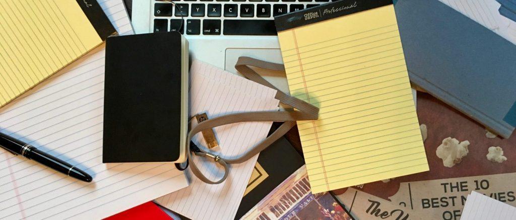 cropped-Schreibtisch-1.jpg